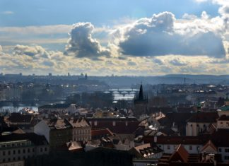 Enjoy Prague weather in the summer