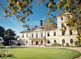 Chateau Mcely is the former rural manor of the Thurn-Taxis aristocracy